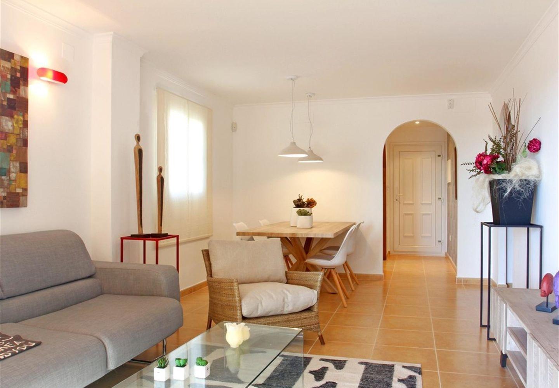 Casalina España stelt te koop een nieuwbouwappartement gelegen in de Cumbre del Sol in het hartje van de Costa Blanca Noord. Enkele dagen, een vakantieperiode, een langere tijdspanne, het hele jaar door genieten. Wat uw keuze ook is, in Cumbre del Sol be