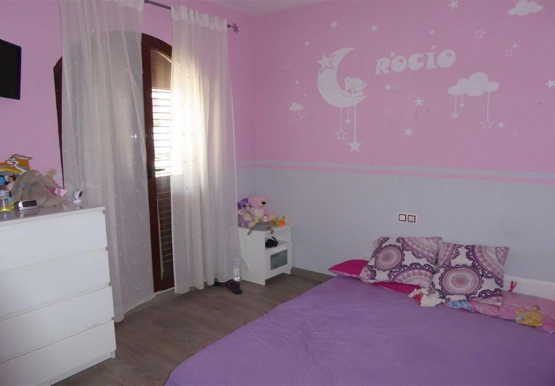 CASALINA ESPANA stelt te koop gerenoveerde villa(2015) van 112 m² in Polop, Costa Blanca Noord, met bergzicht. Polop is de metropool in de comarcra van Marina Baixa in Alicante en deelt de grens met Callosa d'en Sarria geholpen door de rivier Guadalest